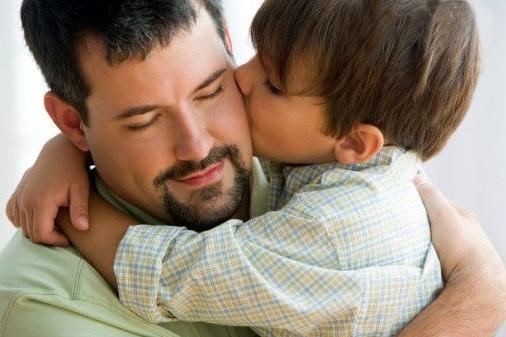 Ребенку-важно-отцовское-внимание-нежели-материнское